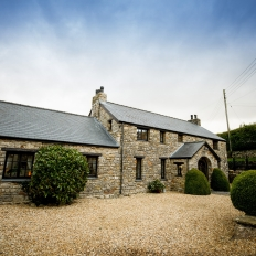 Cerrig-Glan-by-Oldwalls-Rustic-Retreat-