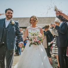 Kelly-and-Gavin-Pippa-Carvell-Confetti-Shot-At-Oldwalls-Gower