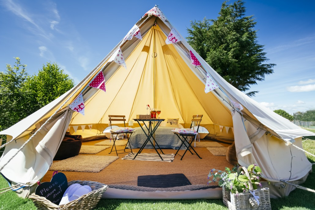 Why Your Wedding Guests Should Consider Glamping ...